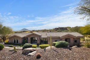 Rare Single level home in beautiful FireRock Country Club