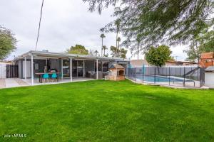 8213 E BONNIE ROSE Avenue, Scottsdale, AZ 85250