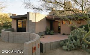 10615 E FERNWOOD Lane, Scottsdale, AZ 85262