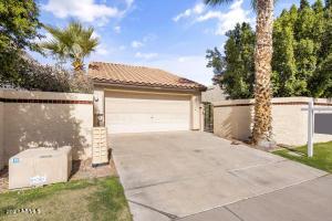 10830 E YUCCA Street, Scottsdale, AZ 85259