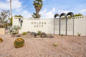 6249 E PINCHOT Avenue, Scottsdale, AZ 85251
