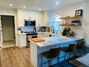 Adorable new kitchen!