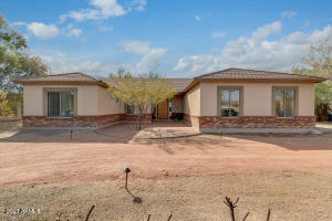 6851 E MENLO Street, Mesa, AZ 85207