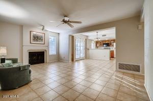 1333 E MORTEN Avenue, 128, Phoenix, AZ 85020