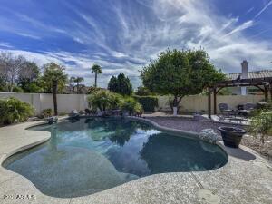 8981 E SUTTON Drive, Scottsdale, AZ 85260