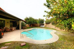 7530 E BECKER Lane, Scottsdale, AZ 85260