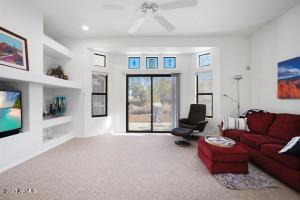 16745 E SAGUARO Boulevard, 102, Fountain Hills, AZ 85268