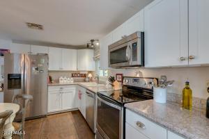 25636 S MONTANA Avenue, Sun Lakes, AZ 85248