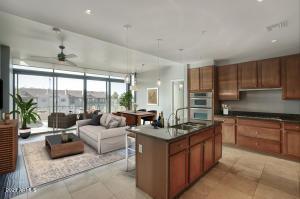 208 W PORTLAND Street, 462, Phoenix, AZ 85003