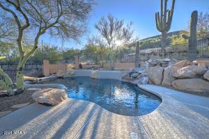 42811 N 21ST Street, New River, AZ 85087