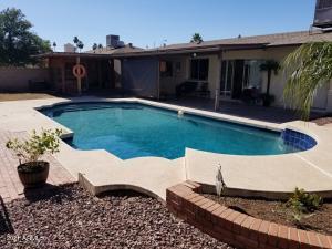 8325 N 47TH Drive, Glendale, AZ 85302