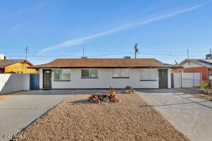 430 E REIZEN Drive, Morristown, AZ 85342
