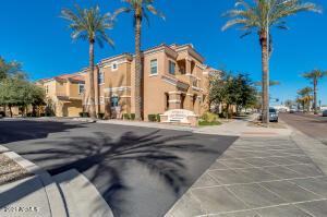 124 N CALIFORNIA Street, 2, Chandler, AZ 85225
