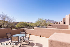 Roof Deck with mountain views!