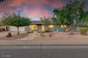 8610 E OAK Street, Scottsdale, AZ 85257