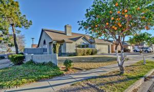 7858 W PEPPERTREE Lane, Glendale, AZ 85303