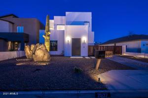 2537 N 28TH Place, Phoenix, AZ 85008