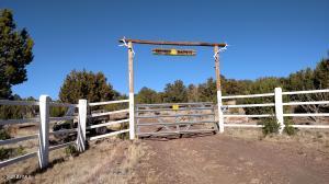 135 County Rd 8227, Concho, AZ 85924