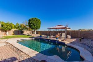 6615 W KRISTAL Way, Glendale, AZ 85308