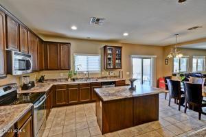 8912 W CROWN KING Road, Tolleson, AZ 85353