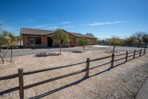Newer Home, Paved Roads, Large Water Source, No HOA, Horse Set up, Near State Land w/ Lots of Trails, Yet Close to Freeway & Shopping,