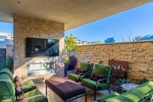 5585 E STELLA Lane, Paradise Valley, AZ 85253