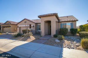 17477 W REDWOOD Lane, Goodyear, AZ 85338