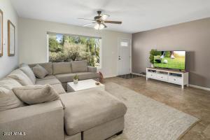 8547 E ROANOKE Avenue, Scottsdale, AZ 85257