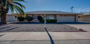 15617 N NICKLAUS Lane, Sun City, AZ 85351