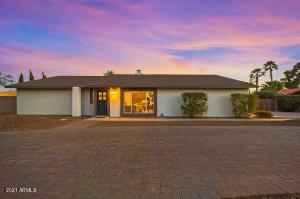 5523 E SWEETWATER Avenue, Scottsdale, AZ 85254