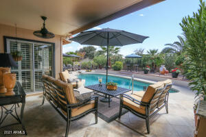 10417 E CHESTNUT Drive, Sun Lakes, AZ 85248