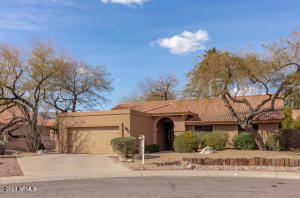 Premium cul de sac lot, 2 wood burning fireplaces, and vaulted ceilings throughout this home.
