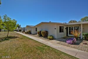 10541 W PALMERAS Drive, Sun City, AZ 85373