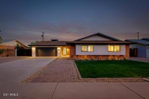 8443 E EDGEMONT Avenue, Scottsdale, AZ 85257