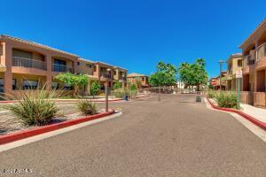 16209 N 30TH Place, Phoenix, AZ 85032