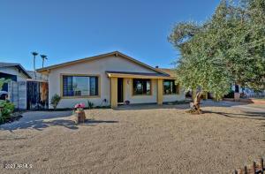 935 E SOUTH MOUNTAIN Avenue, Phoenix, AZ 85042