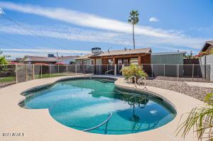 8654 E WINDSOR Avenue, Scottsdale, AZ 85257