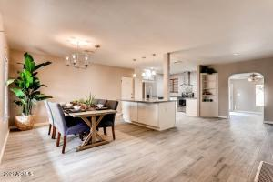 Dining area can also be to the right of the kitchen island.