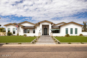 8702 E JENAN Drive, Scottsdale, AZ 85260