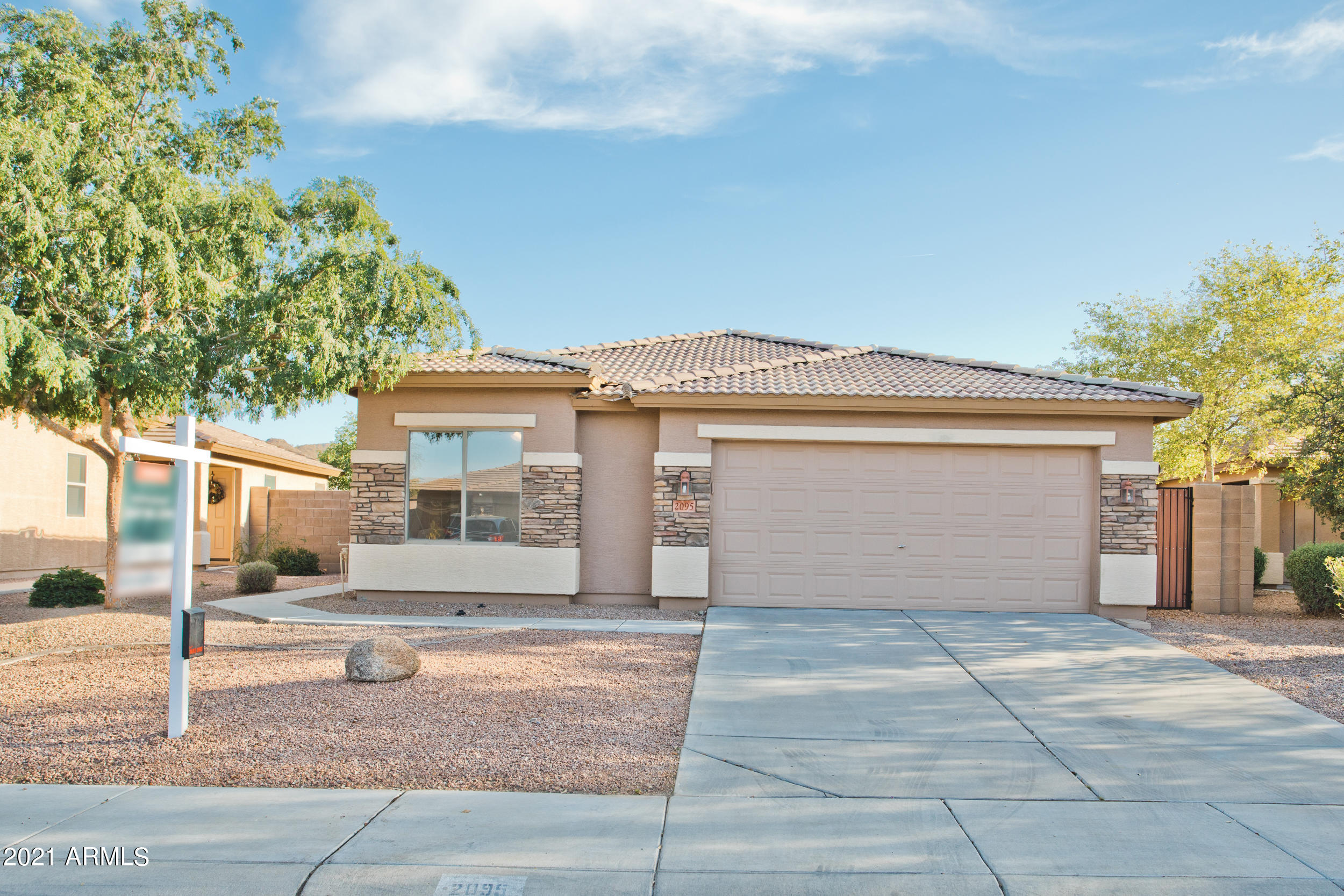 2095 W TANNER RANCH Road