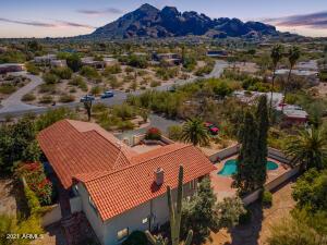 6542 N HILLSIDE Drive, Paradise Valley, AZ 85253