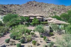 13841 S CANYON Drive, Phoenix, AZ 85048