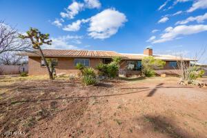 696 E Mulberry Lane, Bisbee, AZ 85603