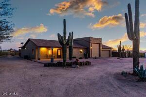 8257 E REDBERRY, Mesa, AZ 85207