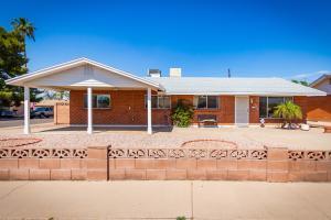8026 E INDIANOLA Avenue, Scottsdale, AZ 85251