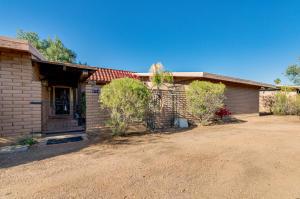 5714 E CAMBRIDGE Avenue, Scottsdale, AZ 85257