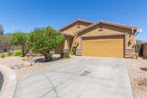 840 E CIERRA Circle, San Tan Valley, AZ 85143
