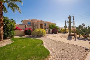 3613 E PALM Street, Mesa, AZ 85215