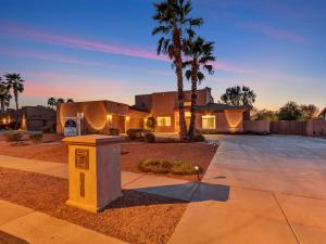 24234 N 82ND Lane, Peoria, AZ 85383