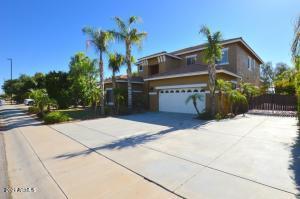 3042 S SETON Avenue, Gilbert, AZ 85295
